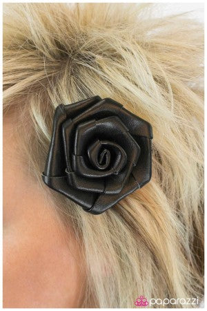 Black Beauty - Paparazzi Accessories hair clip