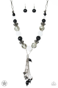 Break a Leg - black - Paparazzi necklace