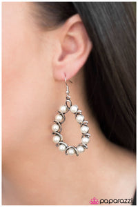 A Gala Affair - Paparazzi earrings