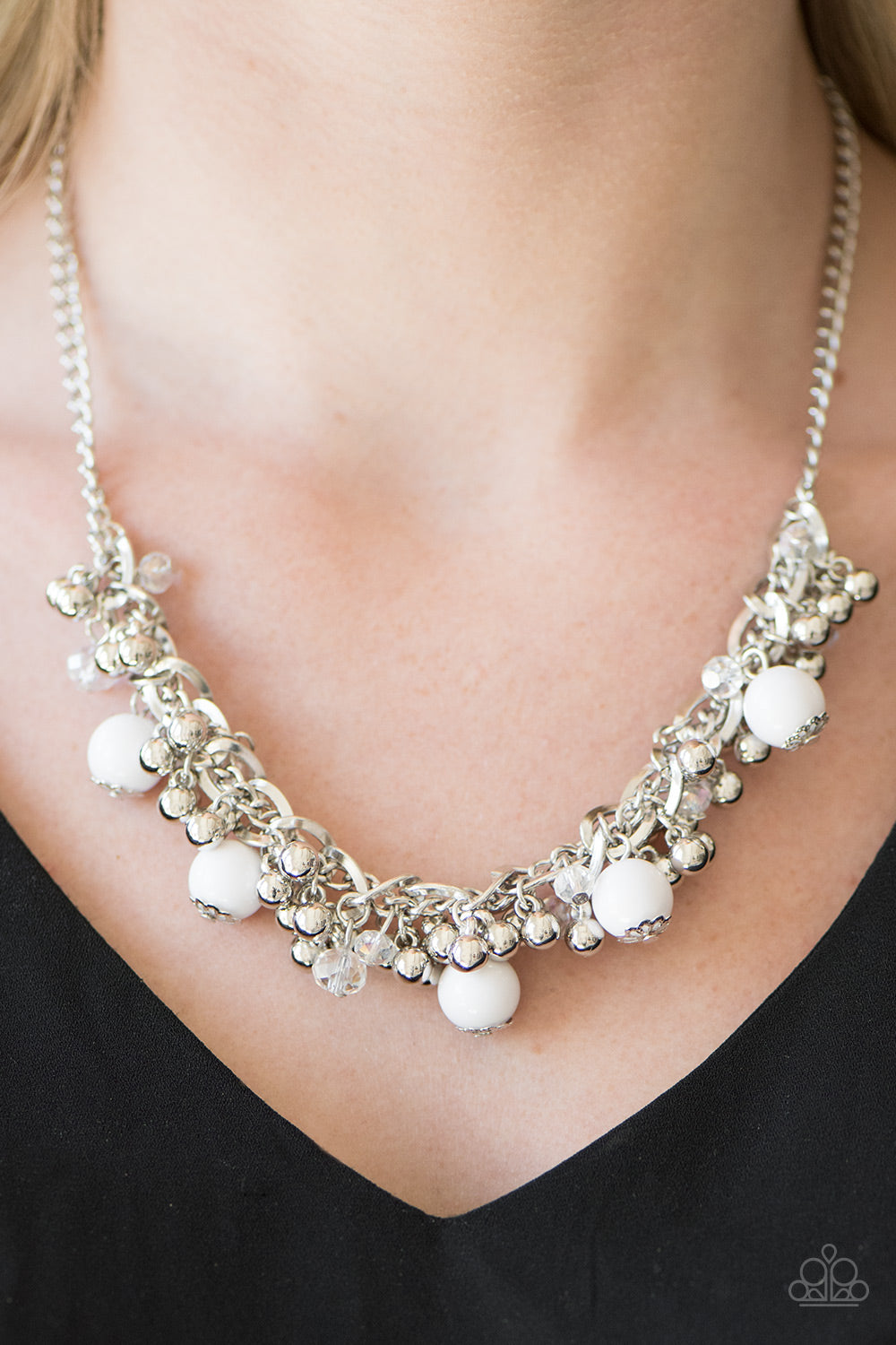 A Pop of Posh - white - Paparazzi necklace