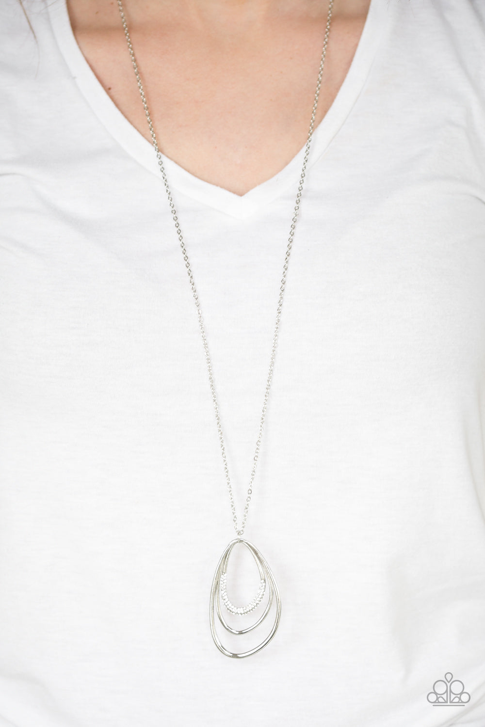 Already Aglow - white - Paparazzi necklace