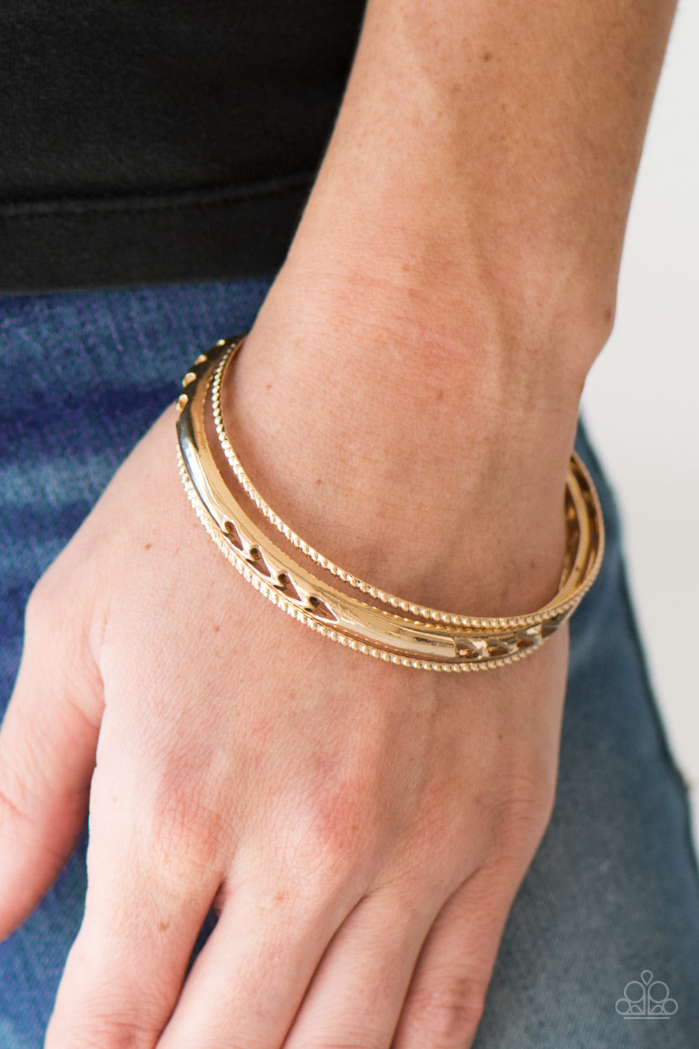 Amazon Warrior - Gold - Paparazzi bracelet