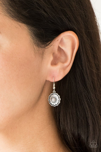 Badlands Buttercup - silver - Paparazzi earrings