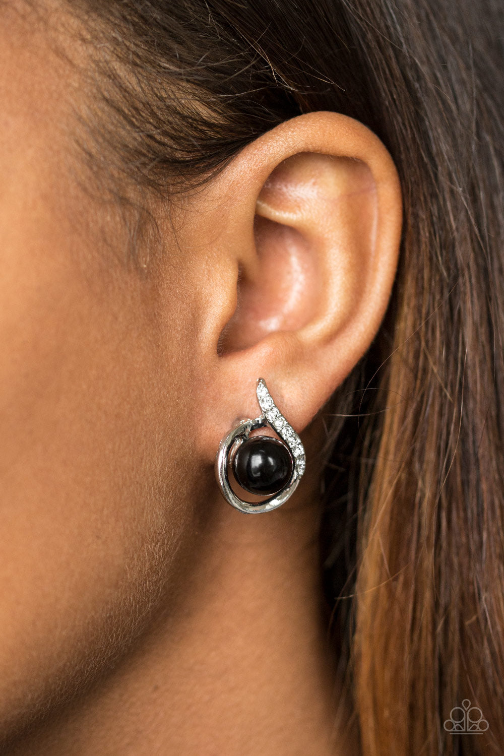 Ballroom Beauty - black - Paparazzi earrings