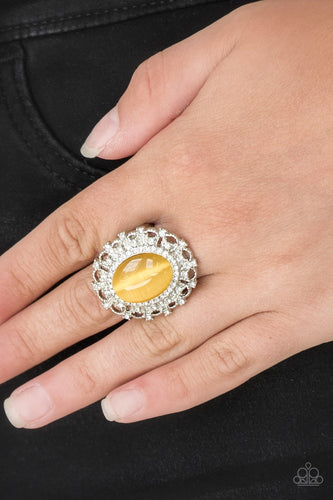 Baroque the Spell-yellow-Paparazzi ring