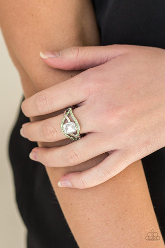 Bling it On - green - Paparazzi ring