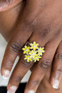 Blooming Bouquets - yellow - Paparazzi ring