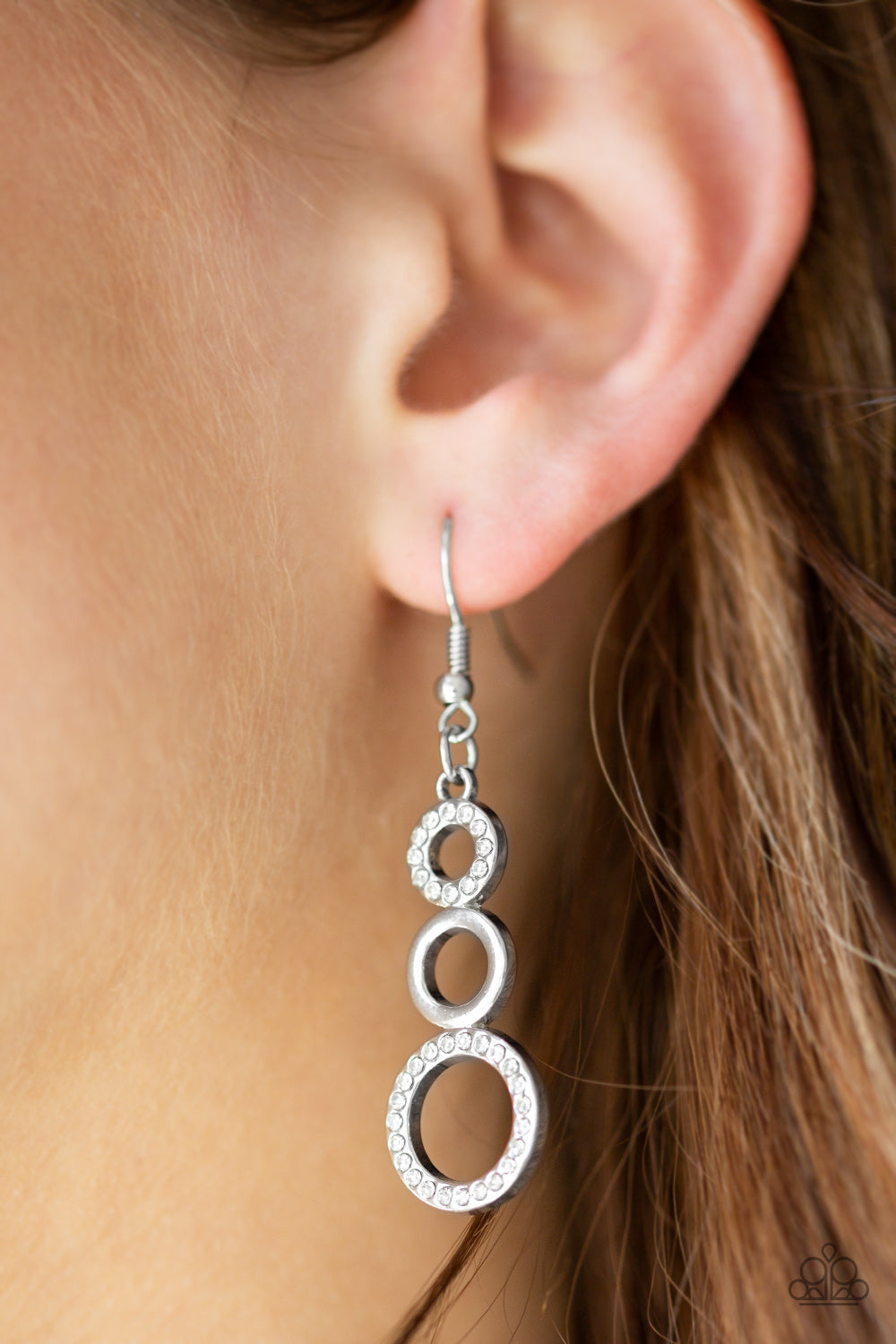 Bubble Bustle - white - Paparazzi earrings