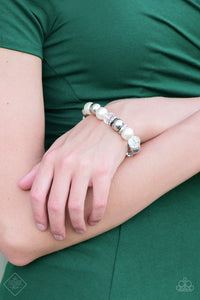 Camera Chic - white - Paparazzi bracelet
