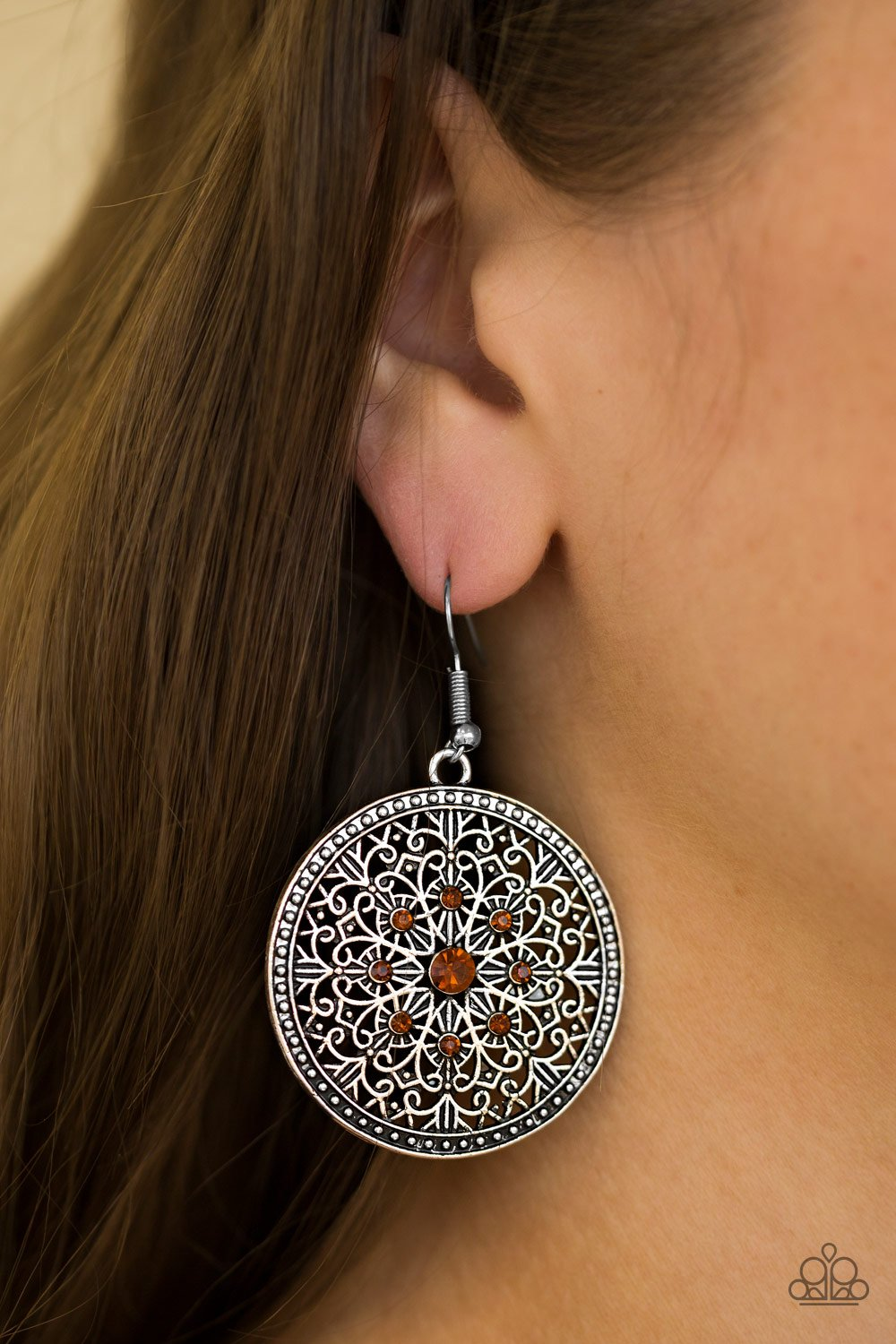 Catch a Chill - brown - Paparazzi earrings