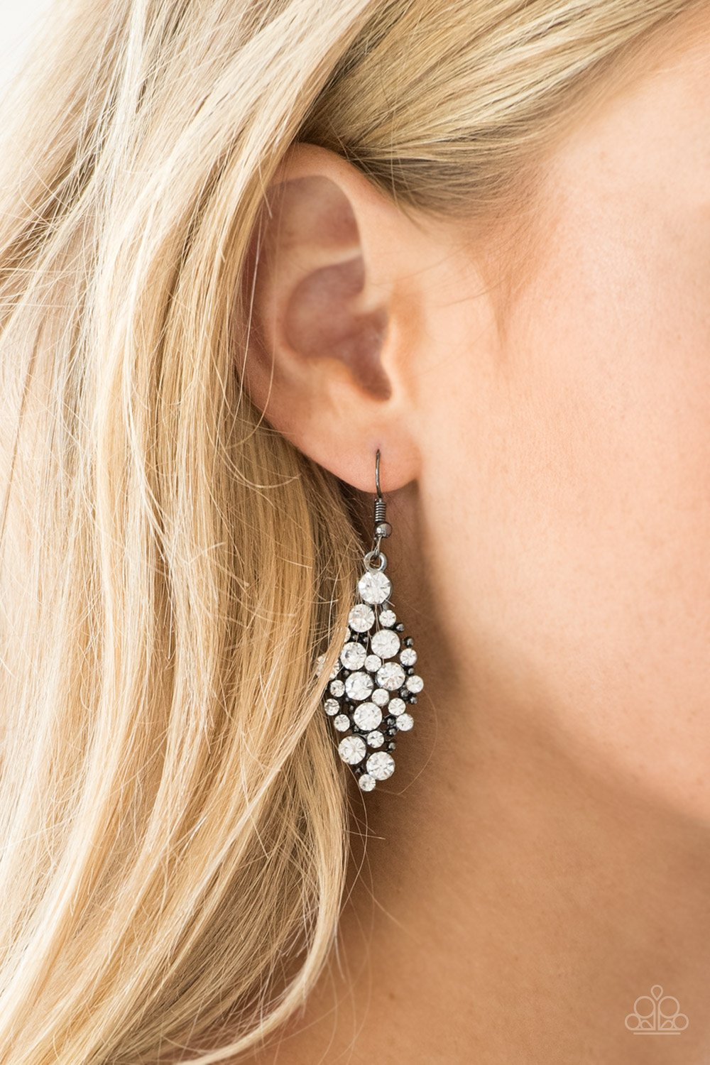 Cosmically Chic - black - Paparazzi earrings