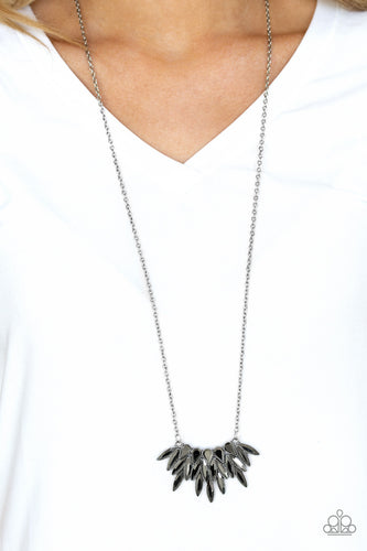Crowning Moment - silver - Paparazzi necklace