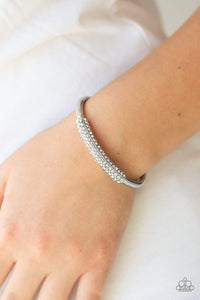 Day to Day Dazzle - white - Paparazzi bracelet
