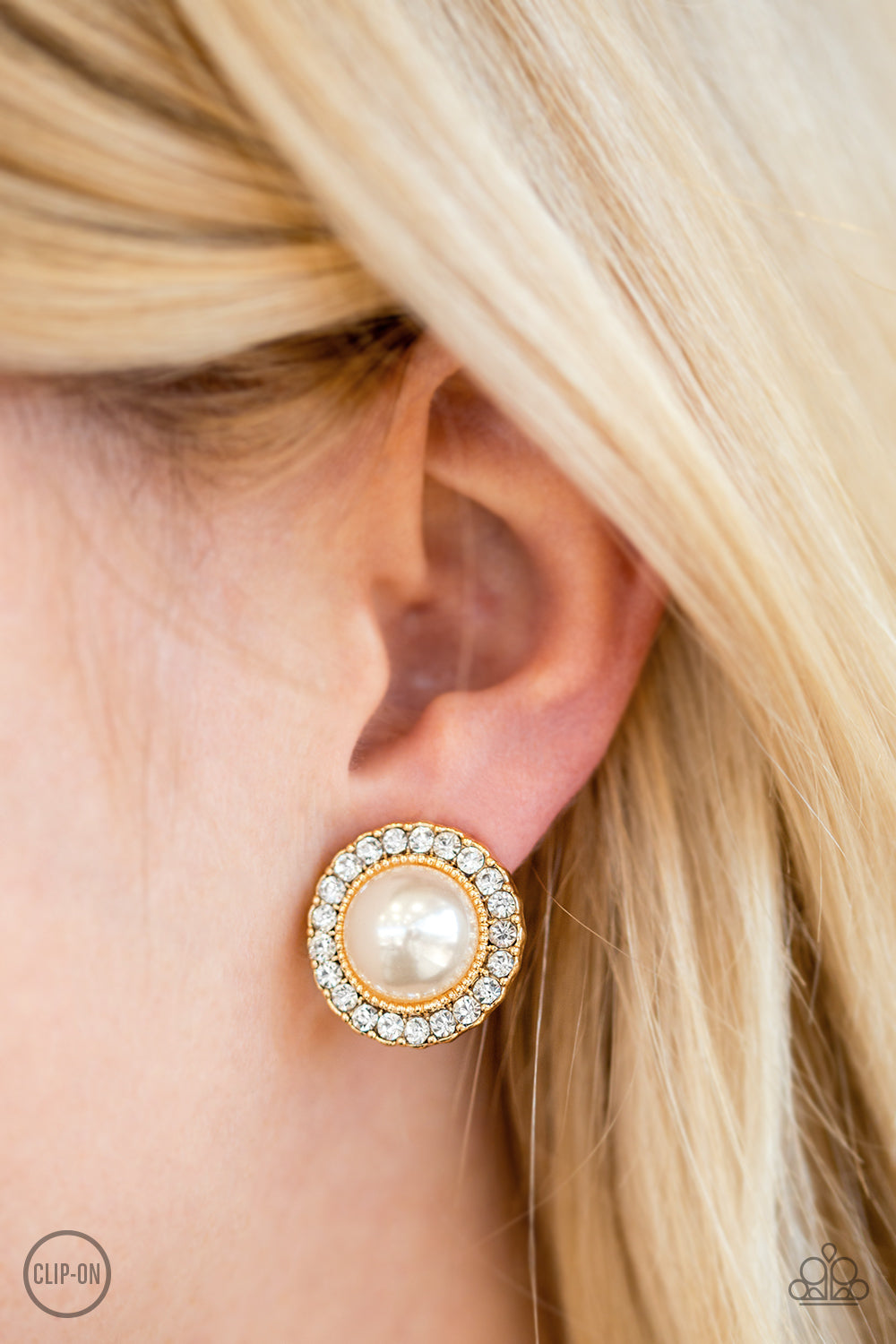 Don't Forget Your Glass Slipper - gold - Paparazzi clip on earrings