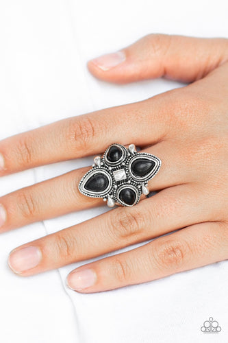 Dune Runner-black-Paparazzi ring