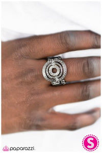 Easy Target - Black - Paparazzi ring