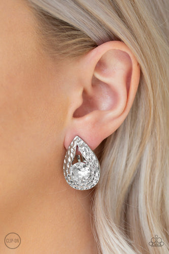 Elite Edge - white - Paparazzi Clip On earrings