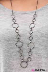 Fashion Revival - Paparazzi necklace
