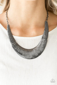 Feast or Famine - black - Paparazzi necklace