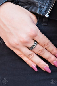 Fire Lines - black - Paparazzi ring