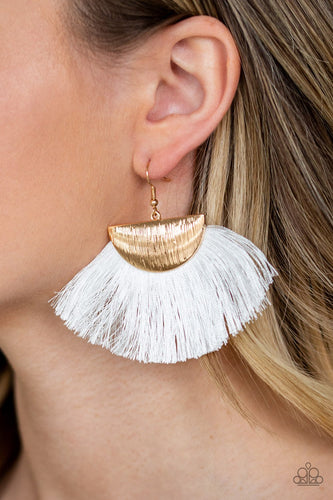 Fox Trap - white - Paparazzi earrings