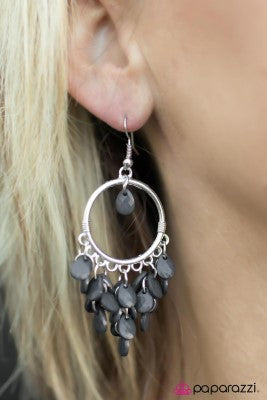 Frame of Mind - silver - Paparazzi earrings
