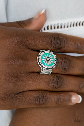 Free Spirited Flower - green - Paparazzi ring