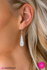 Friends In High Places - Paparazzi earrings