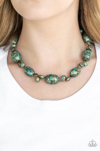 Gatherer Glamour-brass-Paparazzi necklace