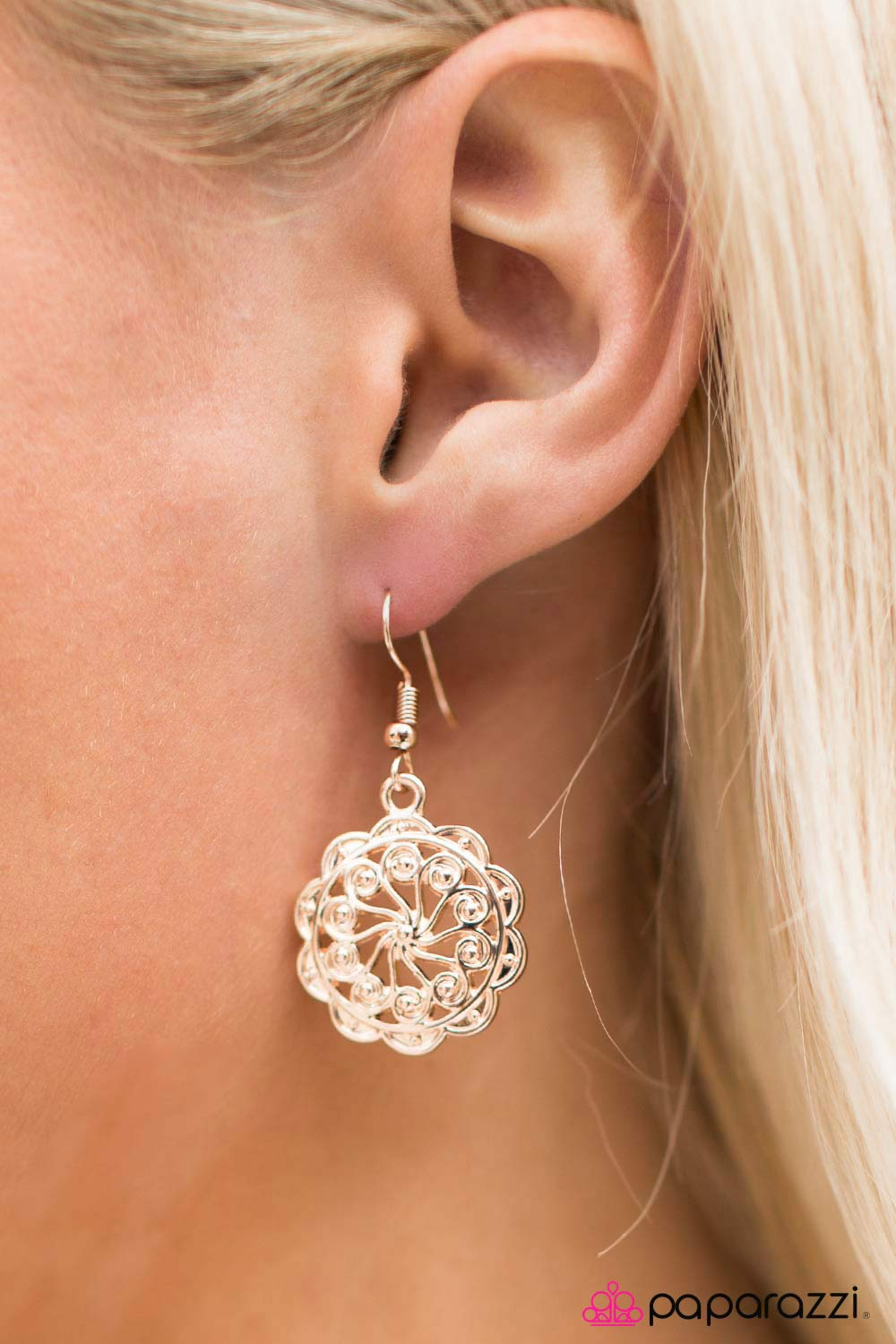 Get It Girl - Paparazzi earrings