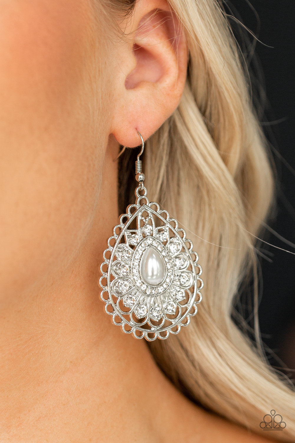Glamour Grandeur - white - Paparazzi earrings