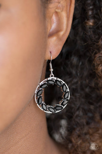 Global Glow - black - Paparazzi earrings