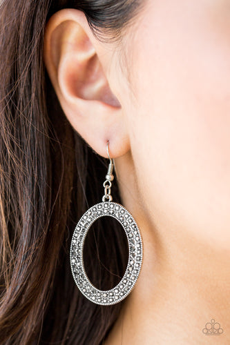 Go Down in Glitter - silver - Paparazzi earrings