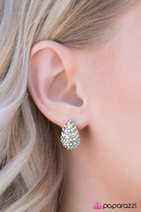 Hostess With the Mostess - Paparazzi earrings