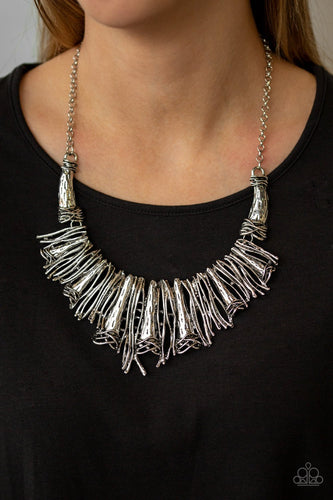 In the MANE-stream-silver-Paparazzi necklace