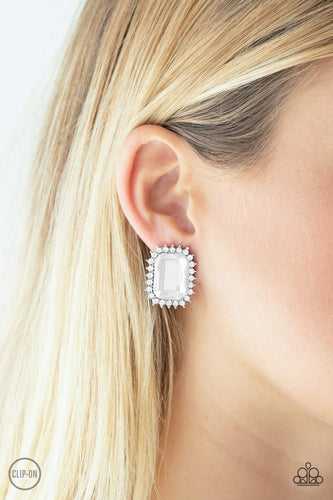 Insta Famous - white - Paparazzi CLIP ON earrings
