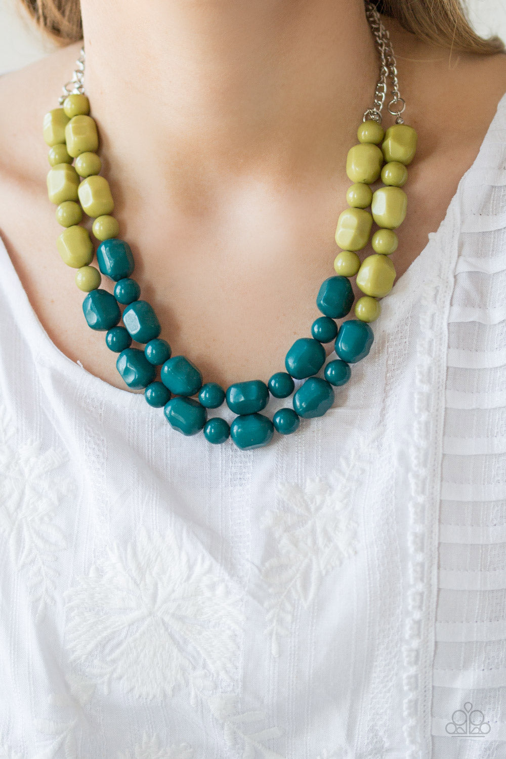 Island Excursion - green - Paparazzi necklace