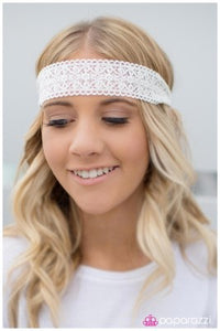 LACY Behavior - Paparazzi headband