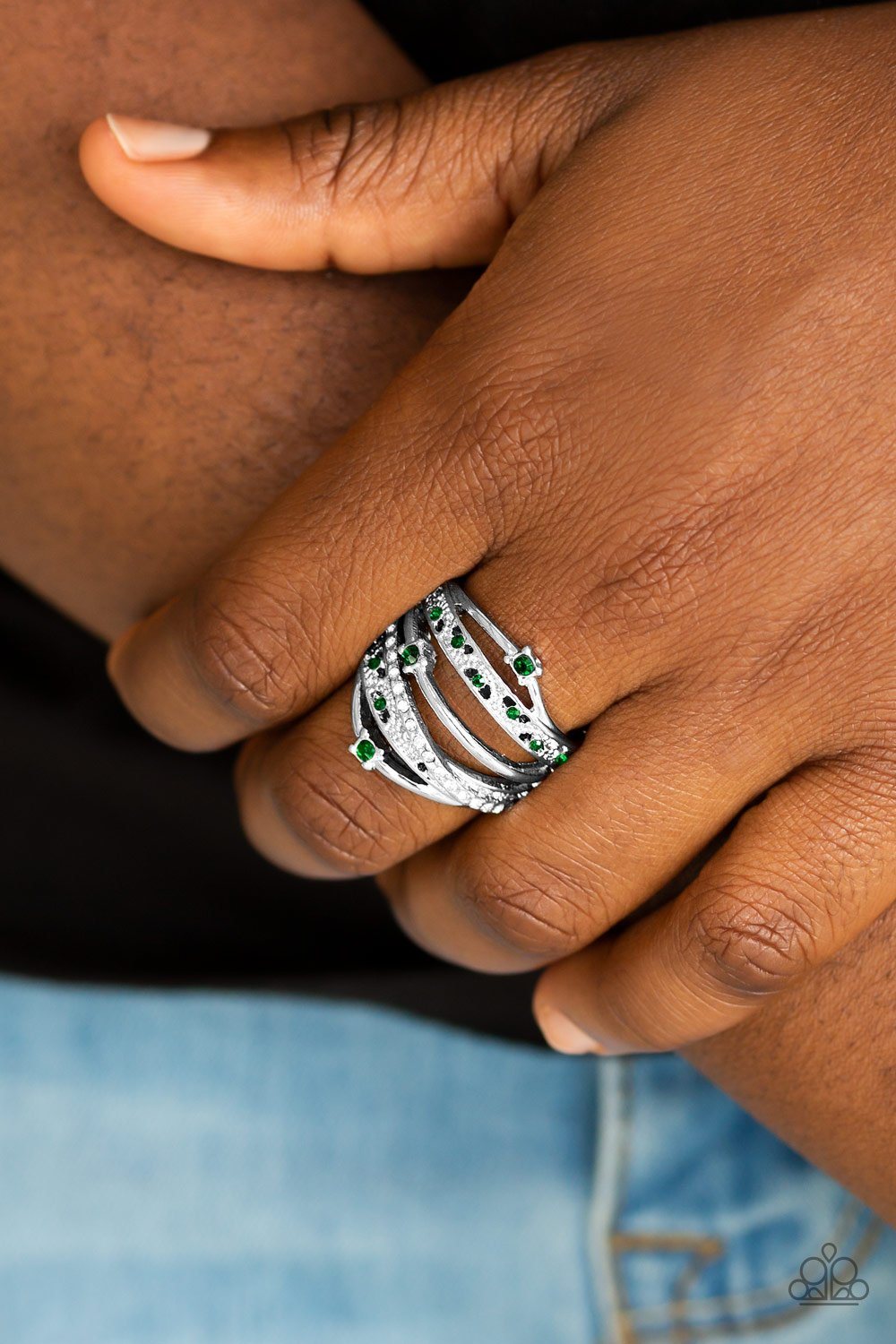 Making the World Sparkle - green - Paparazzi ring