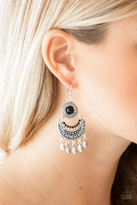 Mantra to Mantra - black - Paparazzi earrings