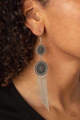 Medallion Mecca - silver - Paparazzi earrings