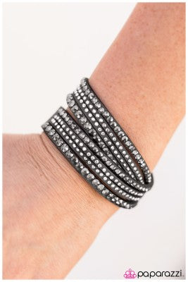 News Flash - Paparazzi bracelet