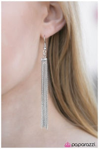 Night At The Oscars - Paparazzi earrings