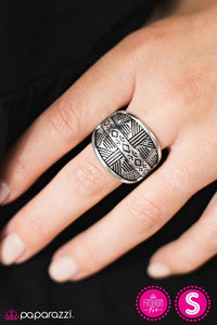 Night at the Museum - Paparazzi ring