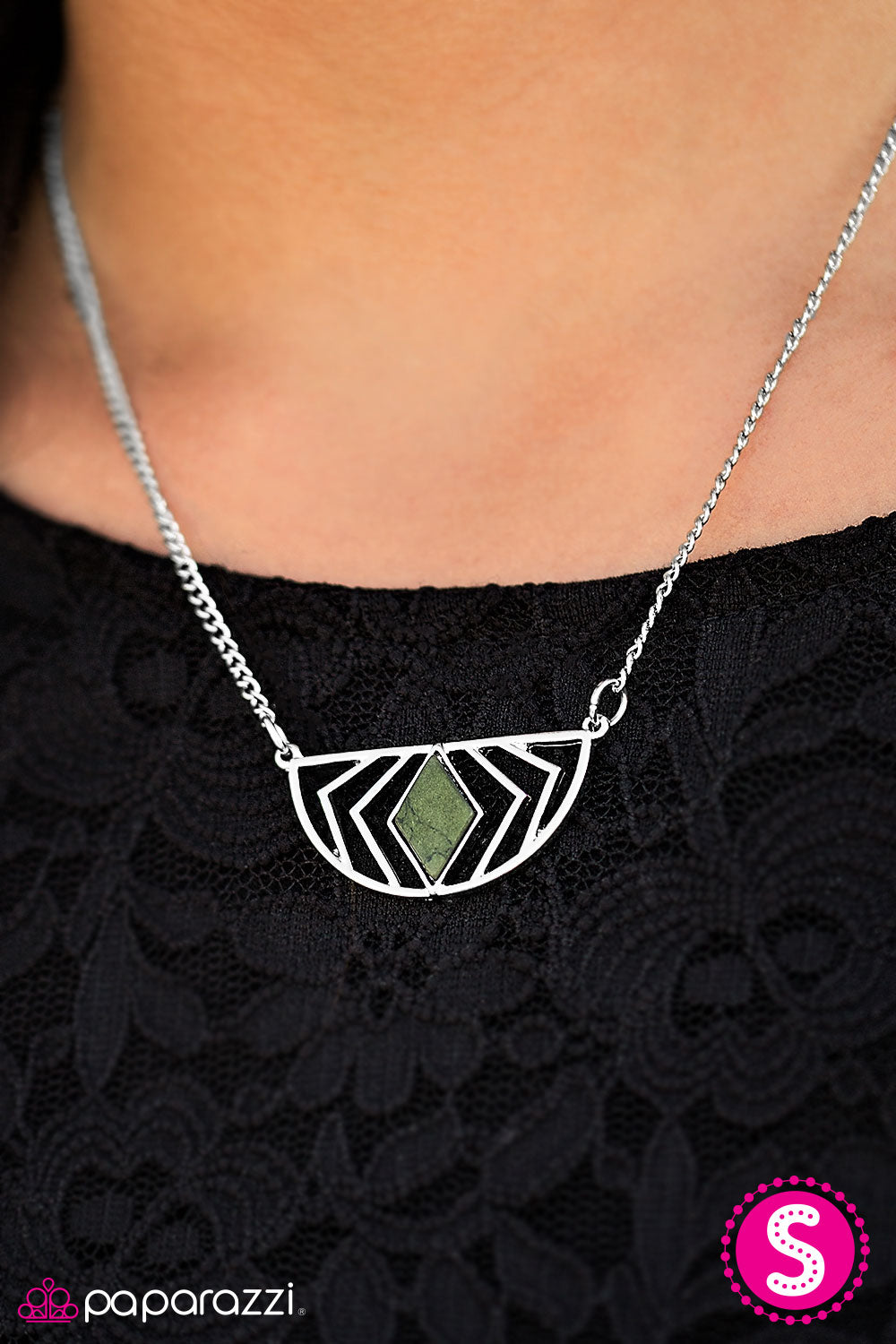 On The GEO - Green - Paparazzi necklace