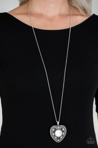 One Heart-white-Paparazzi necklace