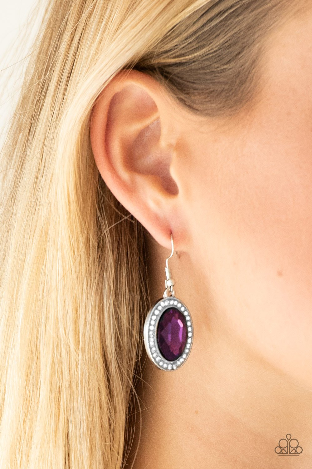 Only FAME in Town - purple - Paparazzi earrings