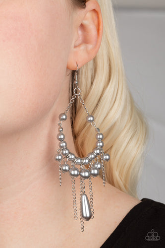 Party Planner Posh - silver - Paparazzi earrings