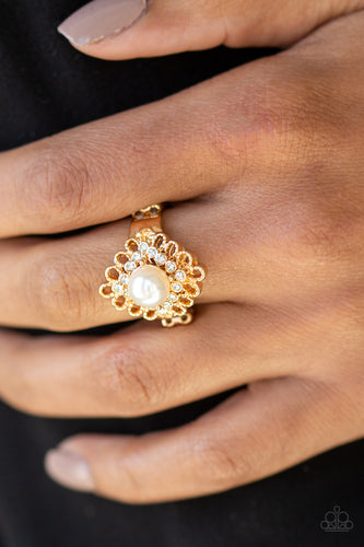 Perfect Perfectionist - gold - Paparazzi ring