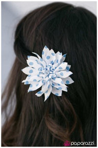 Put Me On the Spot - Paparazzi hair flower